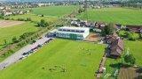 Sportovní hala a fotbalové hřiště